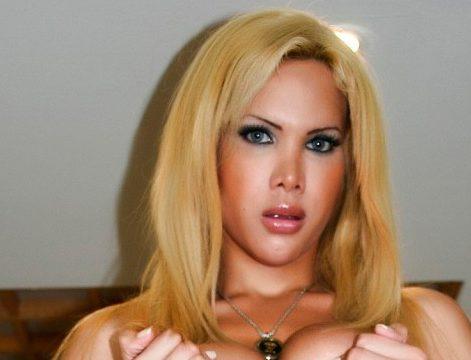 blonde tranny